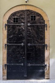 Doors along the Danube_18